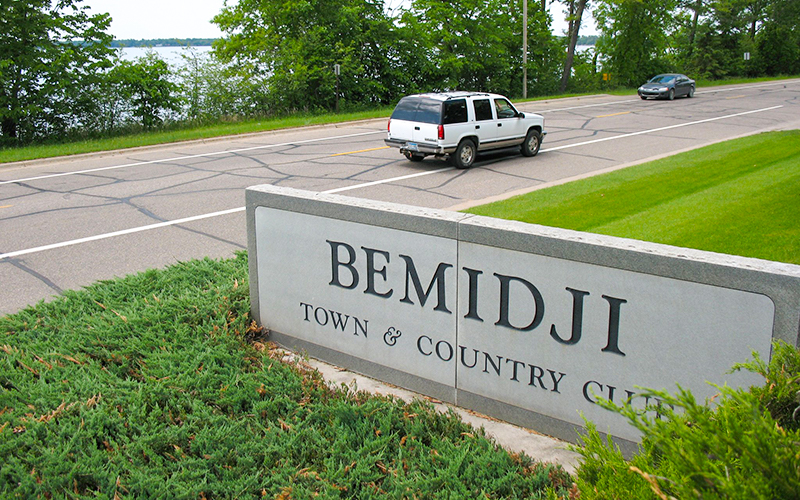 Bemidji Town and Country Club sign near the road