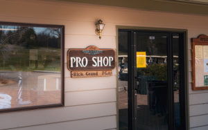 Exterior of the pro shop at Bemidji Town and Country Club