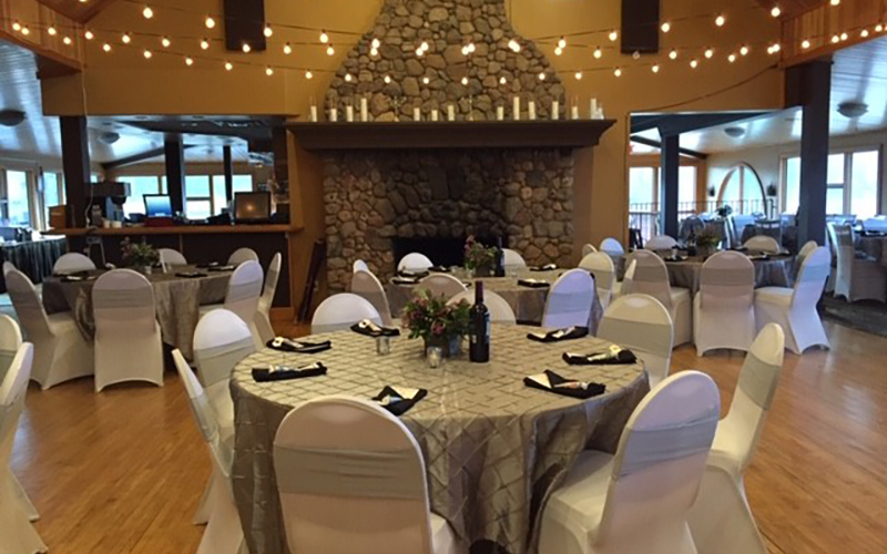 Bemidji Town and Country Club setup for a wedding reception